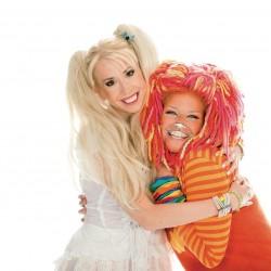 Mimi ja Kuku halailevat